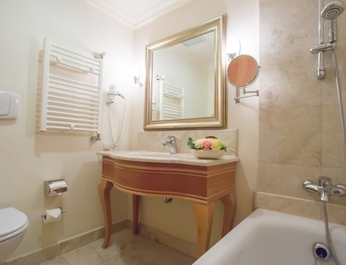 3 Ways to Improve the Safety of Your Bathroom for Seniors